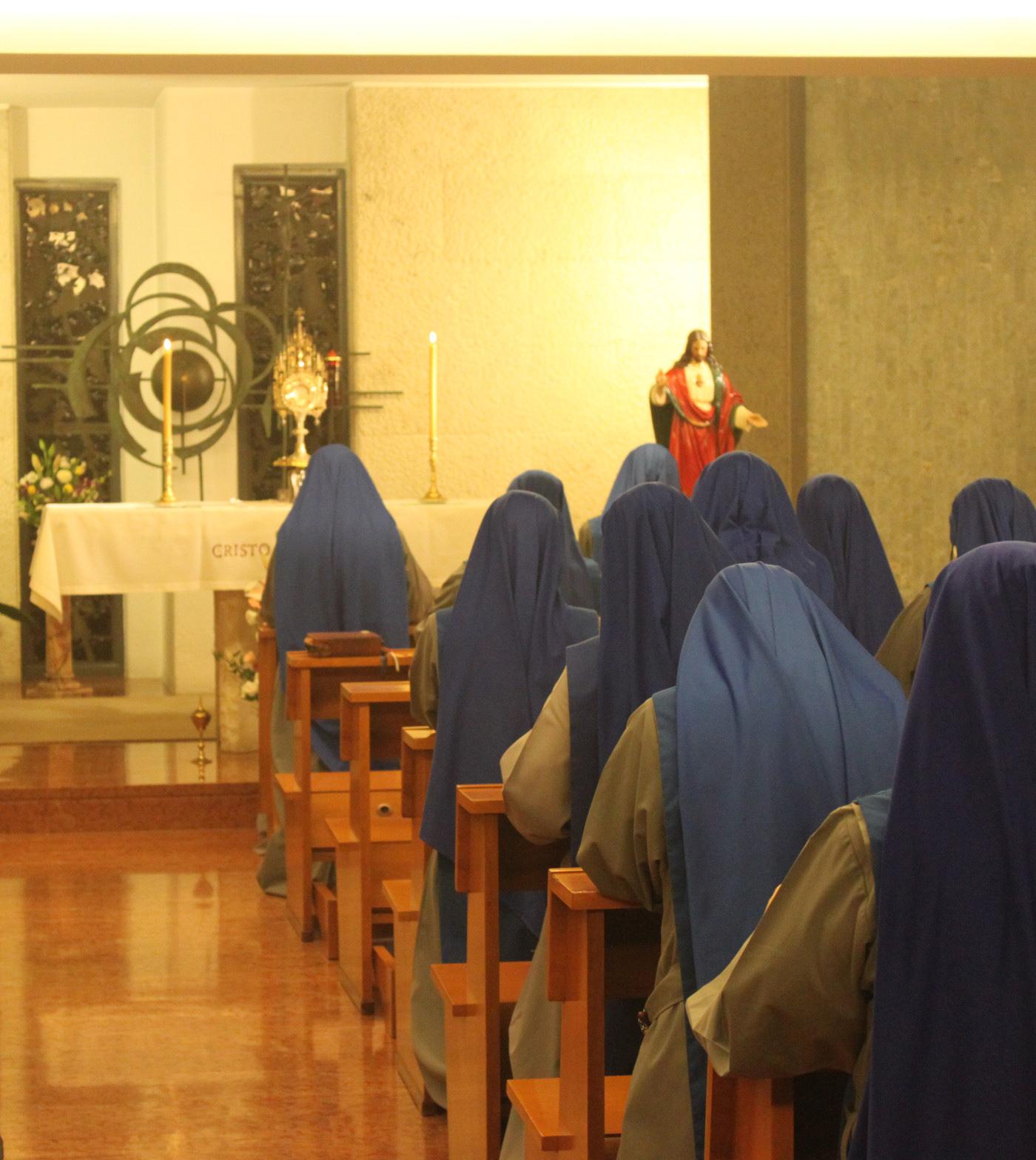 Servidoras-Consagración-Sagrado-Corazón-Jesús-SSVM-1